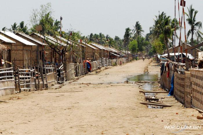 humanitarian-myanmar-aima-village