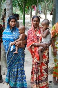 Bangladesh moms with babies